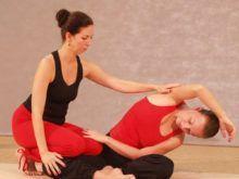 Йога для позвоночника и суставов: что нужно знать
