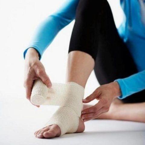 Лечить боль и восстановить движения в суставе можно с помощью ЛФК