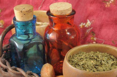 Народные рецепты могут стать помощниками при любом заболевании, в том числе и коксартроза.