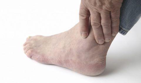 При любых вышеназванных симптомах необходимо обращаться к специалистам.