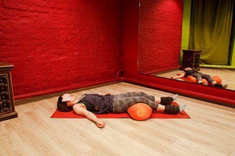 Добавлять упражнения с расширением свободы движений можно только после регулярного выполнения этого комплекса в полном объеме, спустя 30 дней, и только по рекомендации инструктора ЛФК.