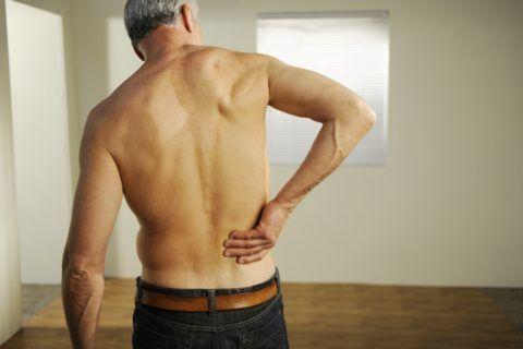 Дорсопатия характеризуется изматывающей болью