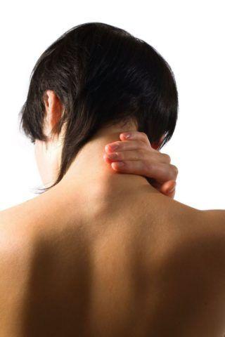 После снятия воротника Шанца проводится массаж шеи и плеч