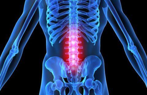 Боли в ногах могут быть симптомом поражения поясничного отдела позвоночника