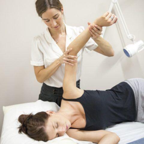 ЛФК и массаж можно начинать с первых дней после травмы