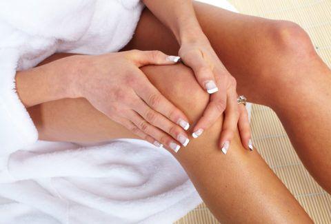 Разовая доза мази должна быть небольшая, втирать ее рекомендуется легкими круговыми движениями.