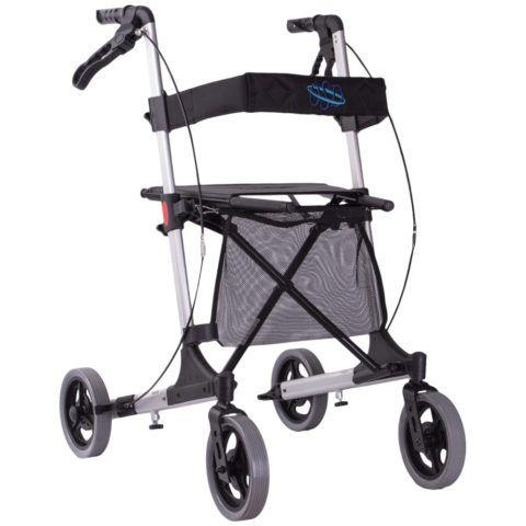 Наиболее удачный вариант ходунков для взрослых – это модель на 4-х колесиках. Ей очень легко управлять.