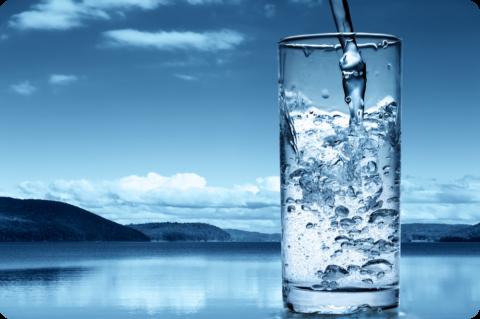 Наряду с регулярными занятиями ЛФК, важно соблюдать питьевой режим – 1,5-2 л в день
