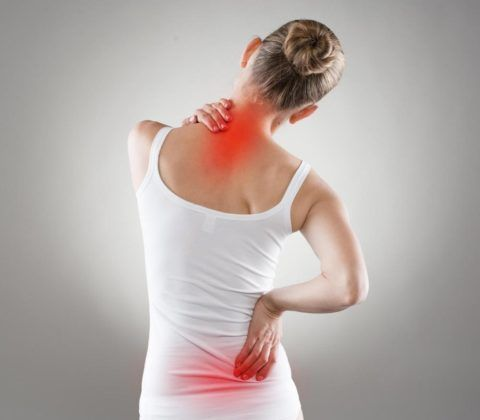 При искривленном позвоночнике может болеть не только спина, но и внутренние органы