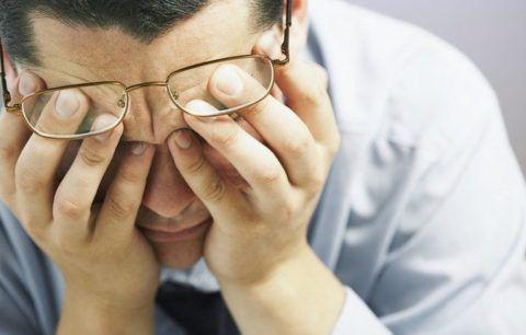 Сложно сказать, какие симптомы при шейном остеохондрозе тяжелее всего переносятся
