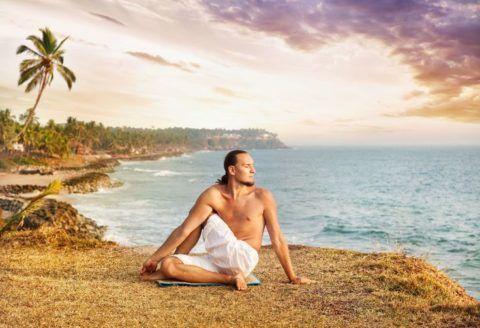 Выполняйте комплекс упражнений под спокойную музыку или фоновые звуки природы