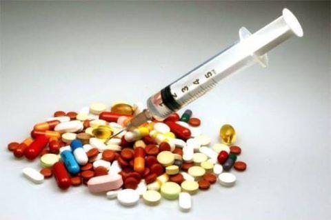 Антибиотики вводят в бурсу или принимают перорально