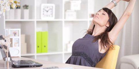 Каждые 10-15 минут делайте одно упражнения сидя