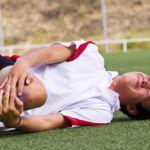 Скованность движений в сочленении может быть результат травм