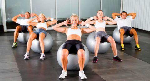 Групповые профилактические занятия с мячом эффективнее индивидуальных