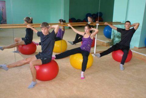 Вам поможет гимнастика и корригирующие упражнения