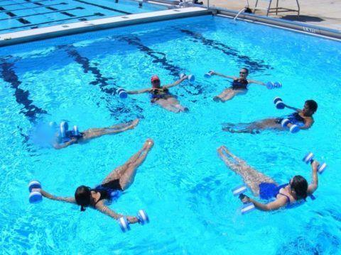 Плавание и упражнения в воде для плечевого пояса