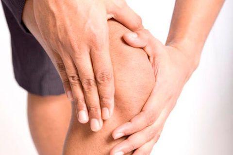 Почему щелкают суставы по всему телу: что делать, причины щелчков при ходьбе