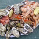 Употребление морепродуктов (на фото) полезно для суставных тканей