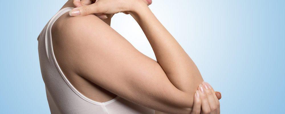 Ушиб локтевого сустава: как себя проявляет и что при этом делать?
