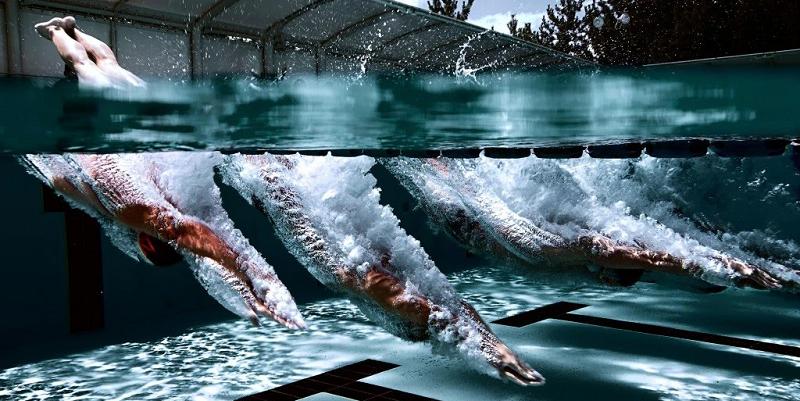 При посещении бассейна не стоит прыгать с тумбочки, а тем более с вышки