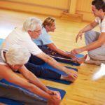 Правильное выполнение упражнений ЛФК улучшает кровообращение в суставных тканях и их питание
