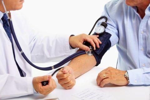 Какой врач лечит остеохондроз? На первичном приеме у терапевта