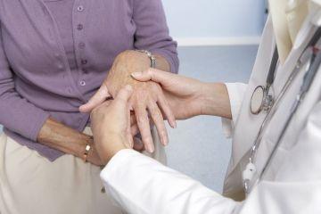Обращение к ревматологу по причине суставных болей