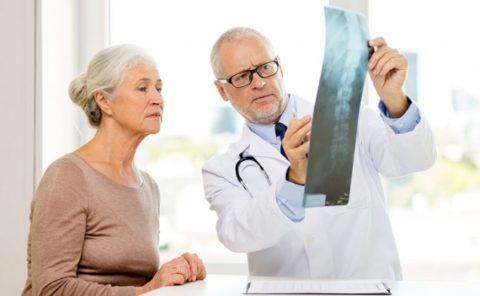 Какой врач лечит болезни суставов?