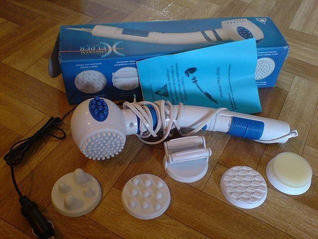 Вибромассажер с насадками и синей лампой, цена от 250 рублей