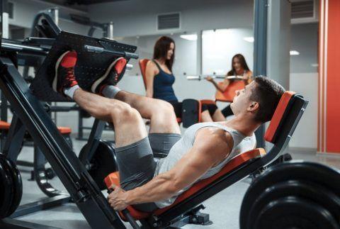 Часто суставы у спортсменов подвергаются постоянному травмированию, отсюда могут возникнуть различные патологии.