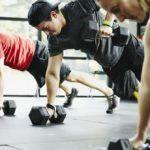 Чрезмерные нагрузки в спортзале могут привести к капсулиту.