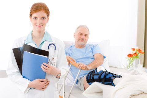 Если боль и отечность не проходят, человек обязан обратиться за медицинской помощью.