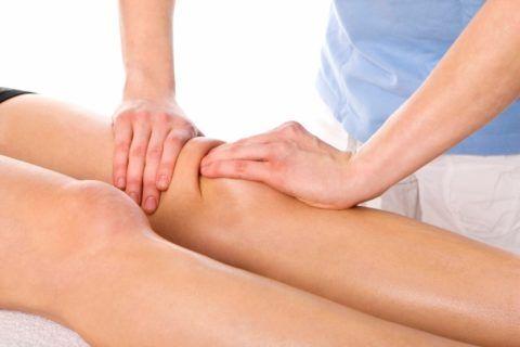 Массаж в области колена