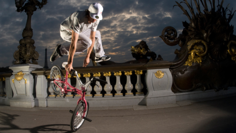 Патология Осгуд-Шлаттера развивается у большинства занимающихся BMX-велоспортом