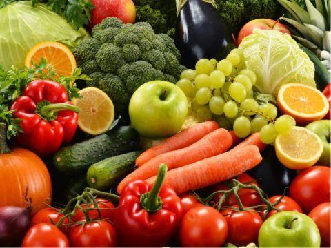 Рекомендуется кушать как можно больше полезных продуктов