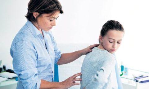 В период гормональной перестройки организма у подростков, наблюдается интенсивный рост костно-мышечной системы, поэтому иногда слышны похрустывания во время движений.