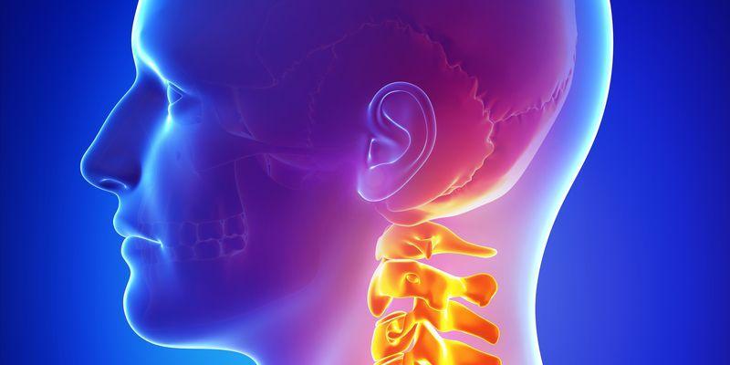 Шейный остеохондроз и артериальное давление: как изменяется АД и как можно помочь
