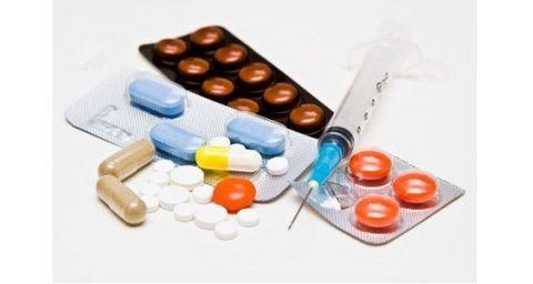 Больному назначаются таблетки и уколы