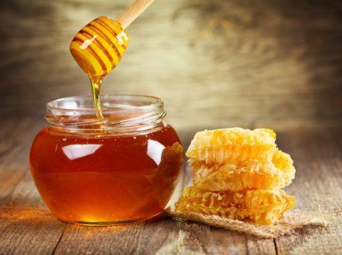 Продукты пчеловодства используются для лечения множества заболеваний суставов.