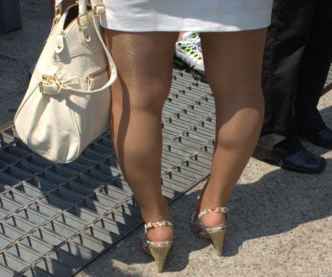 Длительное хождение на высоких каблуках при избыточной массе тела вызывает изменения в суставной ткани.