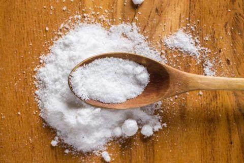 Соль – одно из самых эффективных средств при остром приступе остеохондроза.