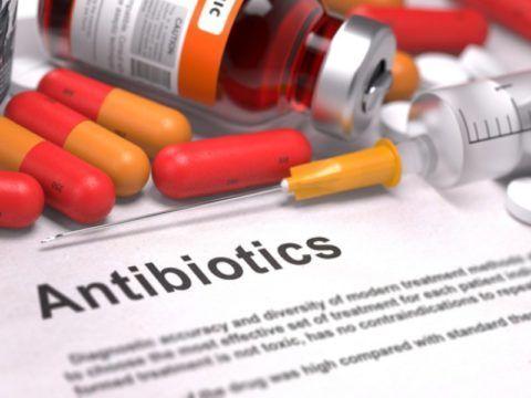 Цена препаратов доступная пациентам. Большинство антибиотиков отпускаются из аптечных киосков без рецепта от врача.