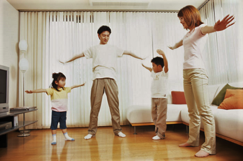 Упражнения должны быть простыми, не требующими сложной координации движений