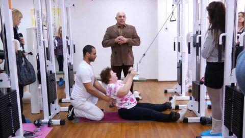 Выполнение упражнений с тренером и под руководством Сергея Михайловича Бубновского.