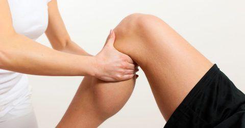 При остеохондрозе сочленений наблюдается ухудшение движений.