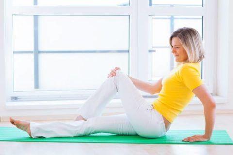 Упражнения ЛФК хорошо укрепляют костно-мышечную систему.
