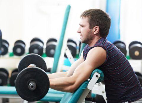 К образованию костных наростов в суставных соединениях могут привести чрезмерные физические нагрузки.