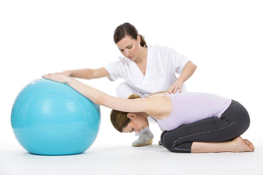 Методики выполнения упражнений стоит обсуждать со специалистом по ЛФК.
