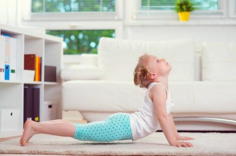 Некоторые асаны йоги идеально подходят для гимнастики при сколиозе